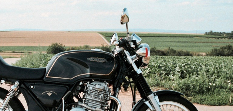 A Curious Case of Anglo-Japanese Collaboration: How the World's Most Successful Motorcycle Maker Borrowed Design Ideas from a Small, Venerable, and Extinct British Bike Factory [1] James J. Ward